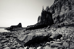 for those about to rock (Port View) Tags: fujixe2 novascotia canada cans2s 2017 summer littlesplitrock cove fundy bayoffundy shore coast coastal tide tidal rock water longexposure le mono monochrome blackandwhite bw
