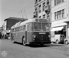 Era uma vez em Portugal... (© Portimagem) Tags: portugal patrimónionacional historia transportes autocarro viagem bus stcp porto troleicarro
