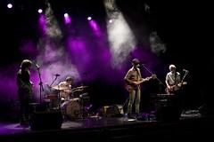 En la imagen se puede ver a todo el grupo sobre el escenario del Ermua Antzokia en un momento de concierto.  Fotografía cedida por el fotógrafo local Óscar Blanco Gutiérrez