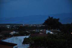 darkening (medeirosisabel16) Tags: sky blue azul tree light luz acesa dark evening darkening anoitecendo escurecendo fim de tarde noite night cidade city mountain guaratingueta house casas
