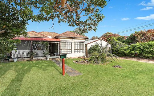 109 Acacia Av, Greenacre NSW 2190