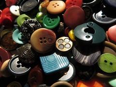 Buttons (MacroMondays) (Espykrelle) Tags: macro macromondays buttons theme explore boutons buttonsandbows 7dwf