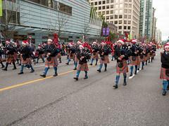 2017_SFUPB_SC_Parade_20171203-GM5-1050712 (SFU Pipe Band Organization) Tags: rmmpb rmmpipeband sfupb sfupipeband britishcolumbia canada christmas gvrd performance santaclausparade vancouver where