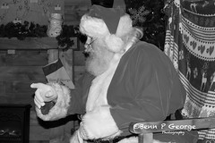 SANTAS-GROTTO-9-12-17-DOBBIES-KINGS-LYNN-(14) (Benn P George Photography) Tags: santasgrotto kingslynn 91217 bennpgeorgephotography santa christmas family georges