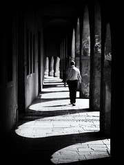 passage (Sandy...J) Tags: light licht street streetphotography sw schwarzweis strasenfotografie stadt city shadow noir urban photography passage italy monochrom mono man mann walking white blackwhite bw black olympus oldtown fotografie