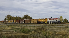 Overtime! (lennycarl08) Tags: california californianorthernrr gp382 genset locomotive trains railroad northerncalifornia
