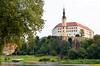 Děčín, 13-de eeuws kasteel aan de Elbe rivier, Tsjechië 2017 (wally nelemans) Tags: děčín kasteel castle hrad elbe labe rivier river tsjechië czechrepublic 2017