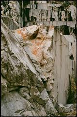 Treffen (Harald Reichmann) Tags: kärnten treffen krastal steinbruch marmor stein abbau analog film nikonfm2 glatt rauh oberfläche struktur zeichnung muster wasser stufe
