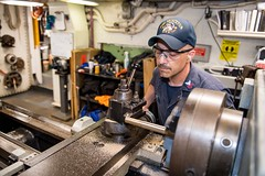171107-N-VR594-0013 (U.S. Pacific Fleet) Tags: ussprinceton lathe metal brass southchinasea