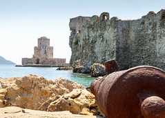 Greek Defence Cuts (Wayne Elsworth) Tags: methoni greecerust cannon greece