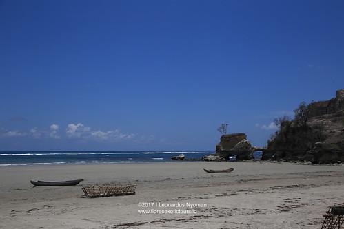 Pantai Watu Parunu - Wula Waijelu- Sumba island