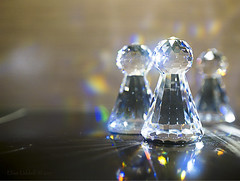 Just pawns in the game .... (Elisafox22 A bit ON/OFF at the moment!) Tags: elisafox22 sony nex6 e30mm f35 macro gamesorgamepieces hmm macromondays crystal chess chesspieces pawns swarovski glass light refractions reflections prism bokeh dof tabletop indoors elisaliddell©2017