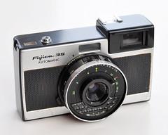 Fujica 35 Automagic (pho-Tony) Tags: photosofcameras fujica35automagic fujica 35 automagic 35mm autoexposure japan japanese fujiphotofilmcoltd fuji fujinark38mm134 fujinark 38 mm 134 f34 fujinar selenium
