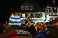 Weihnachtsmarkt Impressionen I (BphotoR) Tags: weihnachtsmarkt impressionen christmasmarket impressions crowd face hat hut tannenbaum bokeh bphotor faceinthecrowd look view portrait night nacht