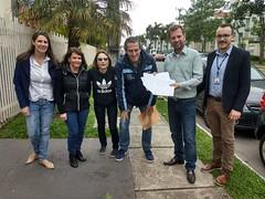 Entrega de abaixo assinado dos moradores da rua Nelson Ferreira da Luz, Campo Comprido.