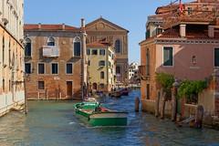 Venice / Rio de Noal (Pantchoa) Tags: venise italie vénétie rio riodenoal eau péniche bateau façades architecture nikon d7200 sigma 1750f28 scuolagrandedellamisericordia laviergeetlenfant
