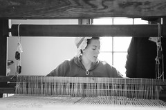 117/87 - Weaving (xTexAnne) Tags: ©diannewhite nikond7200 colonial williamsburg virginia craft weaving silversmith 117picturesin2017 blackwhite