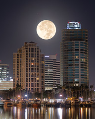 Supermoon 2017 over St. Petersburg (josesuro) Tags: 2017 borg76ed cameras camerasandlenses digital florida jaspcphotography landscapes lenses locations night nikond850 stpetersburg supermoon astrophotography cityscapes moon