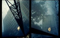 Velha Curitiba Psicodélica de Guerra (terencekeller) Tags: canondemiee17 canon demi ee17 30mm half frame meio quadro kodak ultramax400 ultramax photofilm analógico analog v370 terencekeller 35mm dípticos diptychs