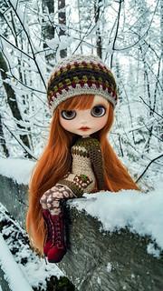 ❄💙😊💙❄ And the winter is back! #blythe #customblythe #customdoll #crochet #crochetdollclothes #dollclothes #grannysquare