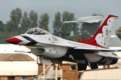 F16 Thunderbird - RIAT 2017 (Airwolfhound) Tags: f16 thunderbird riat fairford