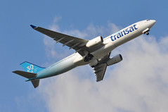 TS0423 LGW-YYZ (A380spotter) Tags: takeoff departure climbout gearinmotion gim retraction belly airbus a330 300 cgtso bhyd vrhyd ship003 30years 30ans 30th anniversary anniversaire 2017 airtransat tsc ts ts0423 lgwyyz runway08r 08r london gatwick egkk lgw