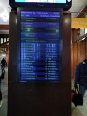 Oläsbar informationsskärm (Elmar Eye) Tags: gothenburg göteborg station stationen skärm flat screen lcd train information passenger monitor