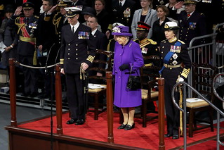 QUEEN WELCOMES ROYAL NAVYⓠLARGEST EVER SHIP INTO THE FLEET