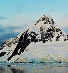Late afternoon, coast of the Antarctic Peninsula. Feb. 2016. (Ruby 2417) Tags: antarctica antarctic coast peninsula island mountain glacier snow ice polar afternoon