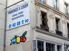 PA_1328 Space invader in Paris 10th (Sokleine) Tags: spaceinvader invader streetart street rue mosaics ceramics tiles faïence artderue urbanart arturbain wall mur windows fenêtres paris france 75010 fruits fruit citron lemon zitrone cerises cherries kirschen