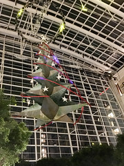 IMG_1384 (TruffShuff) Tags: 2016 gaylordhotel ice md maryland nationalharbor oxonhill december2016