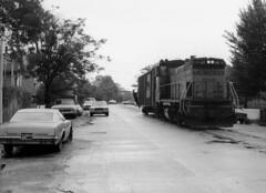 Milwaukee Road on Lakewood 9-86 28 (jsmatlak) Tags: chicago milwaukee road lakewood ce train freight railroad switcher street trackage
