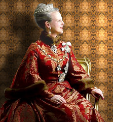 Queen Margrethe II of Denmark (jaci XIII) Tags: pessoa mulher rainha realeza dinamarca sala padrão person woman queen royalty denmark room standard