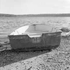 Stillness (BackEastPhoto) Tags: hasselblad501cm hasselblad hasselbladvseries zeissplanar zeiss 80mmf28cfe ilford ilfordpanf ilfotecddx ddx 120film 6x6 mediumformat filmisnotdead backtofilm believeinfilm monochrome blackwhite harbor boat longisland newyork