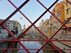 Bridge on  Onyar river. (France-♥) Tags: 785 girona catalogne catalonia bridge pont river onyar houses maisons espagne spain metal palanquesvermelles puente eiffel