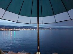Parapluie (--PaX--) Tags: parapluie pluie rain extérieur outdoor sea mer night nuit evening soir soirée lumières light city ville umbrella samsung galaxys7 laciotat france