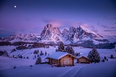 Evening Glory (Chris Buhr) Tags: seiser alm südtirol south tyrol landschaft landscape winter schnee snow winterlandschaft winterwunderland alpen berge mountains sunset sonnenuntergang nacht night leica m10
