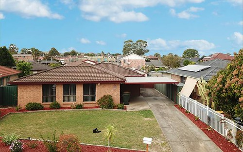 10 Hendra Cl, St Johns Park NSW 2176