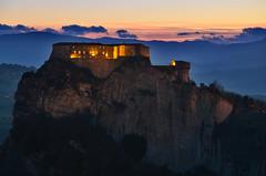 (Skiwalker79) Tags: sanleo montefeltro italia italy romagna emiliaromagna tramonto sunset panorama landscape trekking nikon d5100 castello castle rocca fortezza montagna