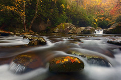 Autumn at Big Creek (E) (Joaquin James Javier) Tags: great smoky mountains north carolina fall autumn leaves flow boulders big creek midnight hole