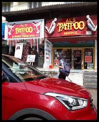 Tattoo :   Al's @ Bandra (indianature13) Tags: indianature india life mumbai bombay maharashtra bandra bandrasuburb november 2017 street road ontheroad onthestreet alstattoobandrahillroad hillroad alstattoo tattoo tattooparlourbandra vandre mumbai400050
