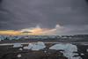 Islanda-43 (msmfrr) Tags: panorama landscape vento wind jökulsárlón ghiaccio ghiacciaio glacier lagoon ice sea spiaggia beach islanda iceland alba sunrise montagna cielo acqua paesaggio mare roccia neve baia iceberg water clouds nuvole