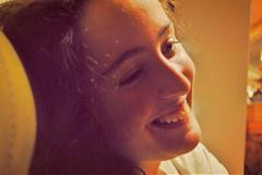 (Sa Shula de Tarifa) Tags: fela sonrisa smile rizos curly hair risa ella she her mujer woman girl chica retrato portrait amor love amistad friendship laugh