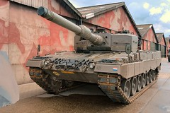 """Leopard 2A4 4 • <a style=""""font-size:0.8em;"""" href=""""http://www.flickr.com/photos/81723459@N04/37705608465/"""" target=""""_blank"""">View on Flickr</a>"""
