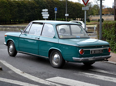 BMW Series 02 1600-2 (1966-1975) 2017 MSLF 10-29 (alaindurandpatrick) Tags: bmw bayerischemotorenwerke neuklasse 16002 series2 bmwseries216002 cars classiccars germancars germanclassiccars classicmotorshows 78 maisonslaffitte yvelines iledefrance greaterparis france