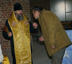 19. Установка крестов на храм святых мучениц 15.12.2014