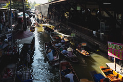 Damnoen Saduak floating market, The famous attractions of Ratchaburi Thailand. (Patrick Foto ;)) Tags: alike amphawa asia asian attraction authentic bangkok boat boats business busy buying canal canals colorful culture damnoen exotic famous ferrying flat floating food fruit local market marketplace markets morning noisy people popular produce ratchaburi river saduak sell selling thai thailand tourism tourist trade tradition traditional transportation travel water woman wooden tambondamnoensaduak changwatratchaburi th