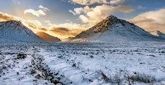 Buachaille Etive Mor & Glen Etive Sunset (jasty78) Tags: buachailleetivemor glenetive glencoe snow mountains sunset scotland nikond7200 tokina1116mm