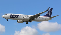 LOT Polish Airlines Boeing 737-800 (AMSfreak17) Tags: amsfreak17 danny de soet canon 70d lhr egll london heathrow airport luchthaven vliegtuigen vliegtuig aircraft airplane jet jetphotos planespotting luchtvaart vertrek aankomst departure arrival spotter planes world of airplanes united kingdom great britain europe landing approach runway 27r 09l lot polish airlines boeing 737800 737 next generation splwb