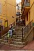 Cannes / Rue Saint-Antoine / Le Suquet (Pantchoa) Tags: cannes côtedazur france rivierafrançaise rue saintantoine escalier femmes photoderue lesuquet vieuxquartier nikon d7200 1750f28 sigma restaurantmantel lanterne